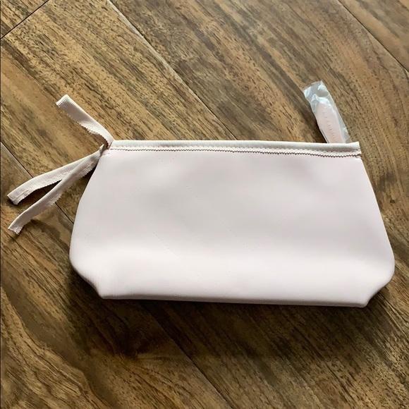 Burberry Handbags - Burberry make up pouch